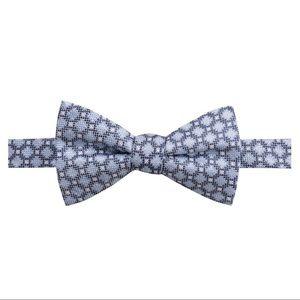 New Ryan Seacrest Distinction Blue Silk Bow Tie